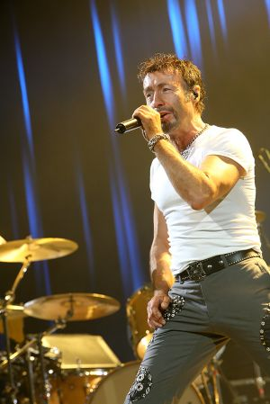 Queen w Paul Rodgers at the Coliseum Apr13-06 203.jpg